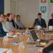 zdjęcie z posiedzenia Powiatowej Rady Działalności Pożytku Publicznego na zdjęciu członkowie Rady wraz ze Starostą Poznańskim