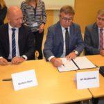 Podpisanie umów na funkcjonowanie PKS