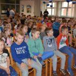 Akcja rozdawania kamizelek odblaskowych dla pierwszoklasistów z powiatu poznańskiego