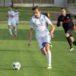 piłkarz Unii Swarzędz w trakcie gry