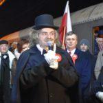 Pociąg upamiętniający rocznicę wybuchu Powstania Wielkopolskiego w Swarzędzu - goście na peronie