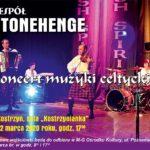 """zespół stonehange na scenie, zaproszenie na koncert 22 marca 2020 godz. 17 w sali """"Kostrzynianka"""""""