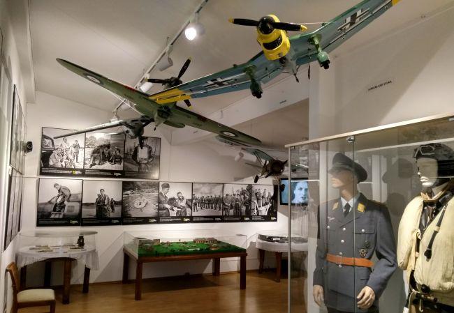 Wystawa o Dywizjonie 303 w Muzeum Arkadego Fiedlera w Puszczykowie
