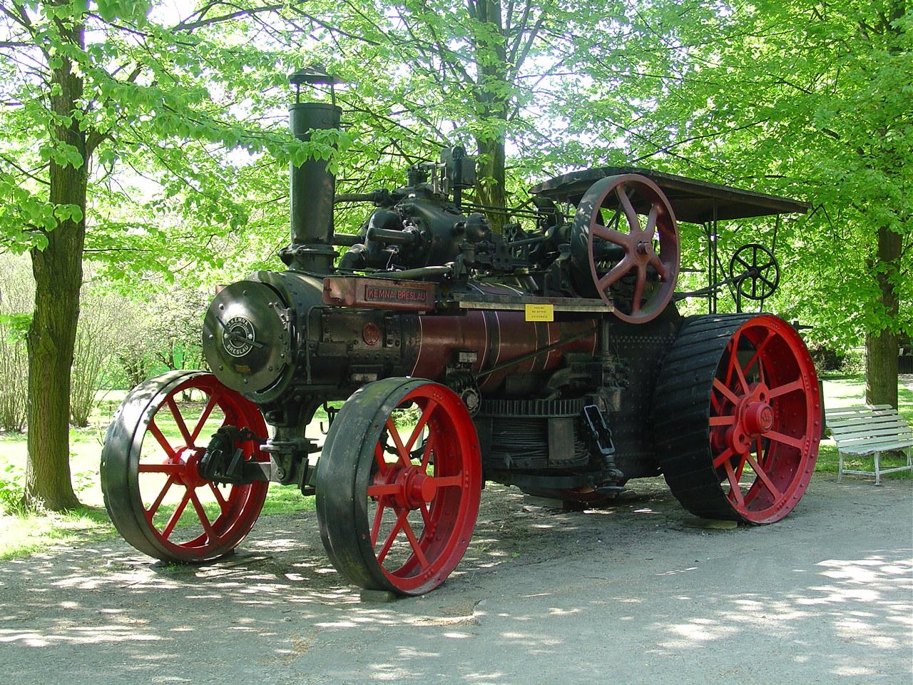 Lokomobila w Muzeum w Szreniawie