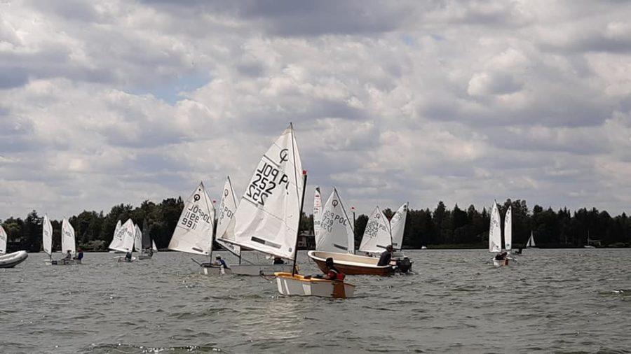 Regaty żegkarskie na Jeziorze Kierskim