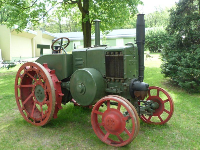 zdjęcie traktor URSUS C 45