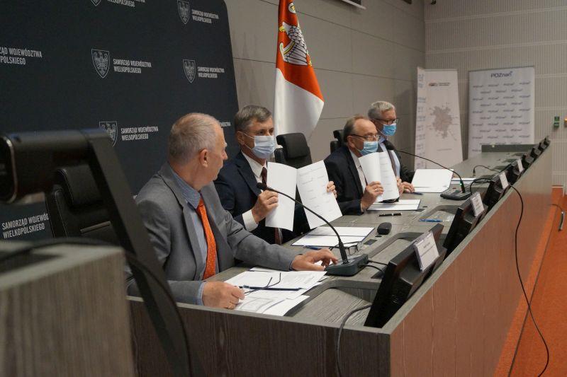 podpisanie umowy PKM