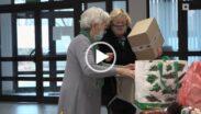 Seniorki podczas akcji charytatywnej