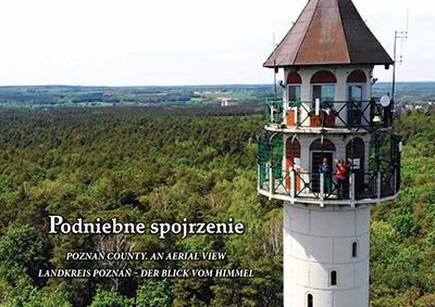 okładka podniebnego spojrzenia - na zdjęciu wieża widokowa w Dziewiczej Górze