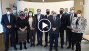 Uczestnicy spotkania w Starostwie powiatowym w Poznaniu w sprawie wsparcia szpitali w walce z Covid-19