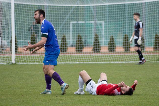 mecz piłkarzy unii swarzędz