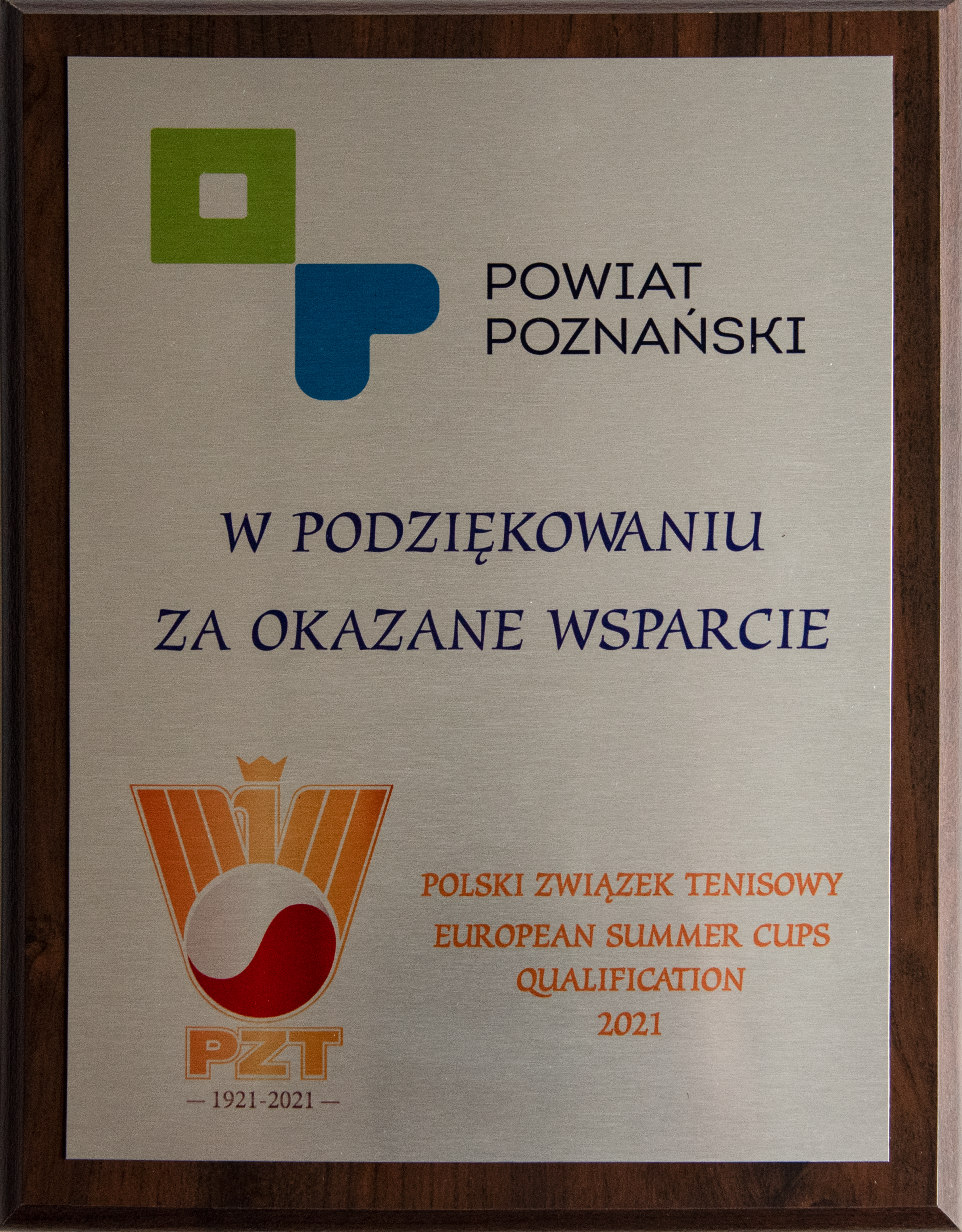 podziękowanie dla powiatu za wsparcie od polskiego zwiazku tenisowego