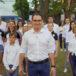 burmistrz miasta i gminy buk wraz z pracownikami biorącymi udział w dance challange